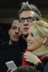 Aunque se casaron en 2008, la pareja se divorció en diciembre de 2013 debido a que Nara comenzó a tener una relación con el también futbolista Mauro Icardi Foto:Getty Images