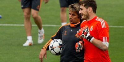 El defensa portugués Fabio Coentrao tuvo un gesto con su compañero, Keylor Navas, durante el duelo entre el Real Madrid y el Espanyol. Foto:Getty Images