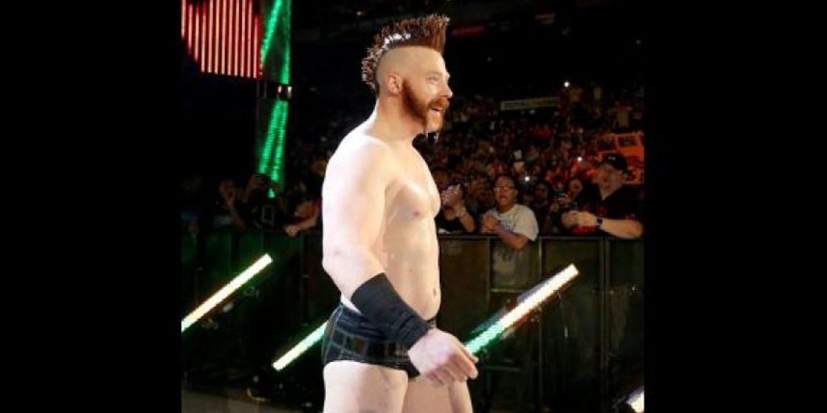 Luchador de la WWE necesitó 10 puntadas en la cara después de Payback