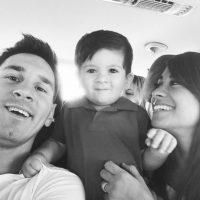 En 2012, con una celebración de gol en un duelo entre Argentina y Ecuador, Messi anunció que sería padre. Foto:Vía instagram.com/leomessi