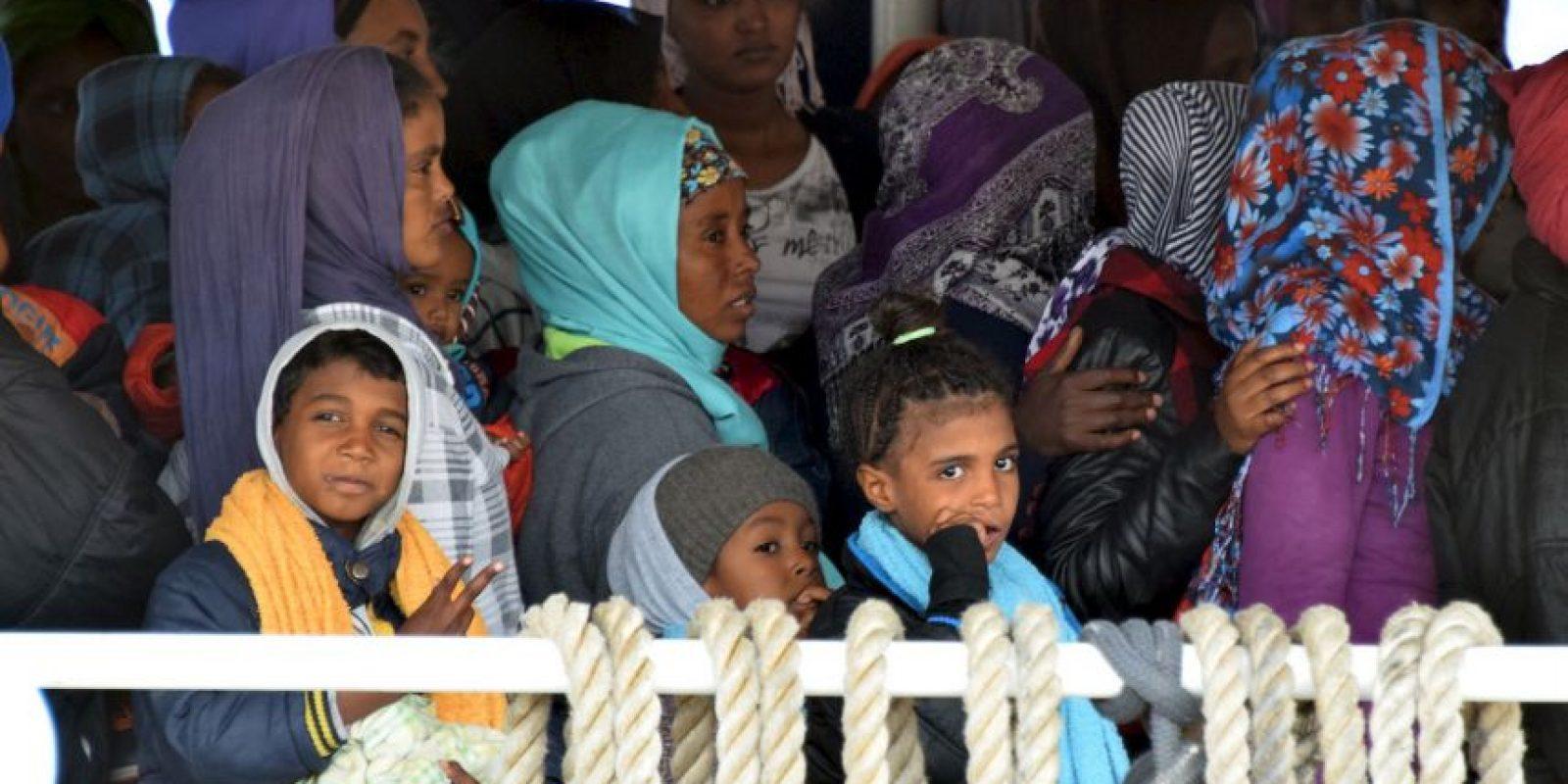 """3. La segunda será la captura, abordaje y desvío de las embarcaciones que puedan traficar personas, detalló """"El País"""". Foto:AFP"""