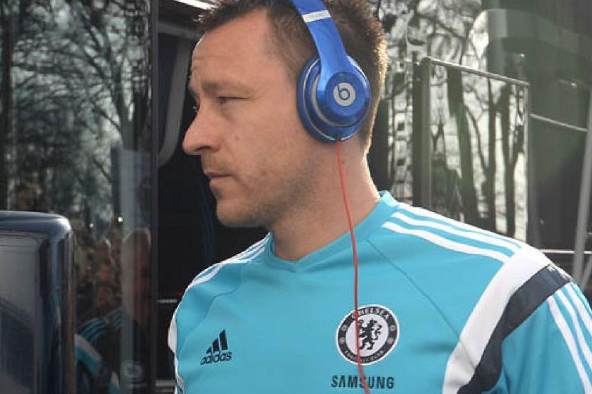 John Terry, defensa historico del Chelsea siempre parquea su carro en el mismo sitio del estadio Stamford Bridge. Foto:AFP