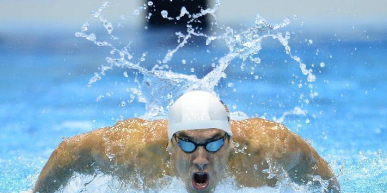 Michael Fred Phelps, el deportista con mayor cantidad de medallas de oro en unas Olímpimpiadas confesó que antes de salir a una piscina tiene que escuchar la canción 'Go Guetta' de Young Jezzy. Phelps en la actualidad posee tres marcas mundiales participando individualmente y tres más en relevos. Foto:AFP