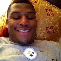 En 2012, fue fichado por los Steelers de la NFL cuando era agente libre. Foto:Vía twitter.com/cuatrotres