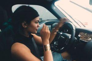 1. La hermana menor de Kim Kardashian se ha enfrentado a las autoridades en más de una ocasión, esto debido a su forma de conducir. Foto:vía instagram.com/kyliejenner