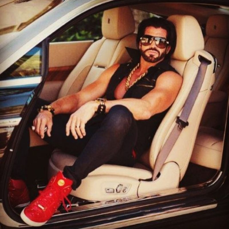 Es un amante de los autos… Foto:vía instagram.com/candyshopmansion