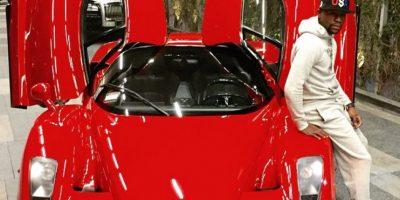 También tiene una exclusiva flota de automóviles, que incluyen Buggati Veyron, Buggatti Gran Sport, dos Ferrari y un Lamborghini, entre otros. Foto:Vía instagram.com/floydmayweather