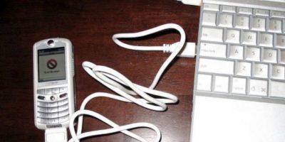 En el 2005 se lanzó ROKR. Se trata de un teléfono móvil que relativamente tuvo éxito de Motorola y Apple Foto:Wikicommons