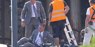 """Daniel Craig y su doble en """"Skyfal"""" Foto:Vía weloveeveryone.posterous.com/"""