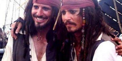 """Johnny Depp y su doble de acción para """"Piratas del Caribe"""" Foto:Vía distractify.com/"""