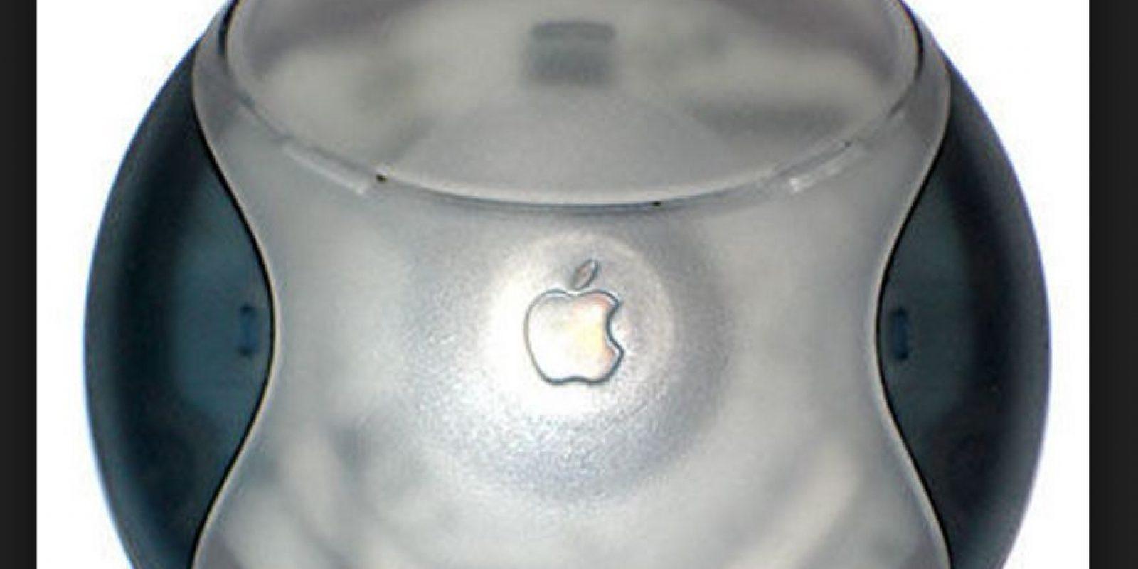 El Hockey Puck Mouse perdió mucha fuerza por lo incómodo del diseño pese a su agradable apariencia. Además, los usuarios se quejaban de la poca extensión del cable del ratón Foto:Wikicommons
