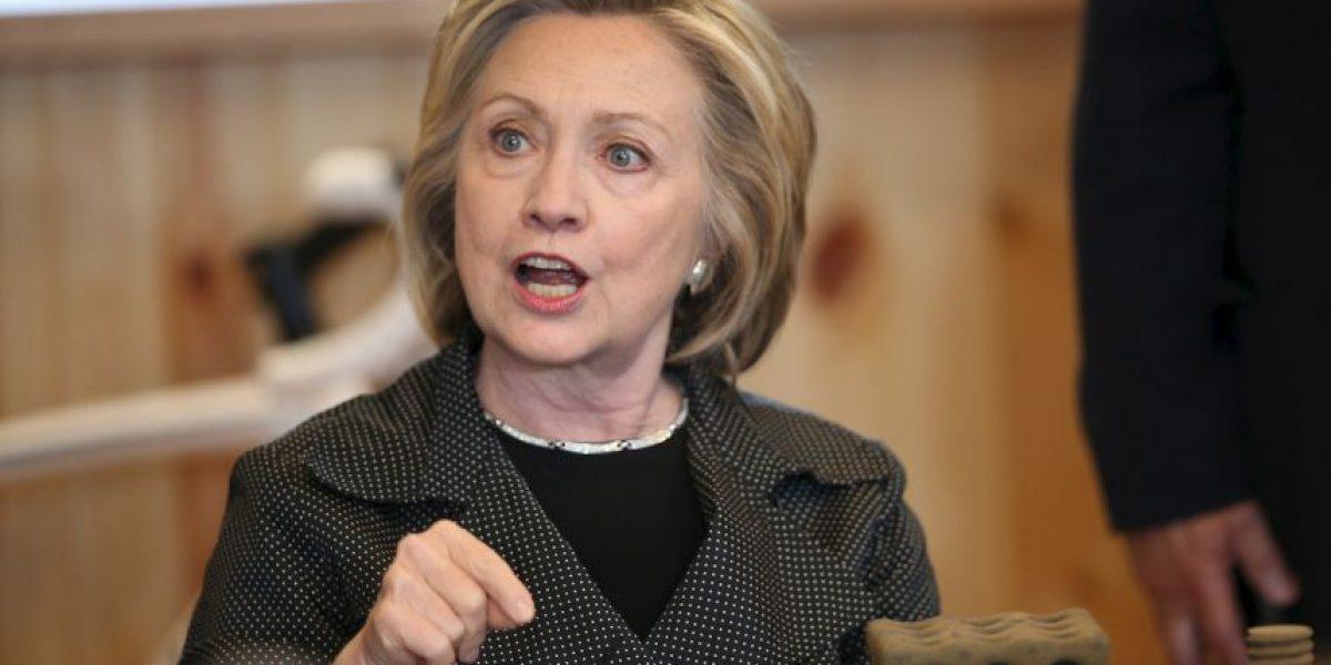 Hillary Clinton urge al Departamento de Estado que revele sus correos personales
