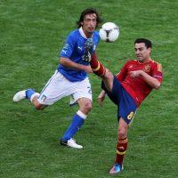 Xavi Hernández, quien se marchará al final de esta temporada al Al-Sadd, podría coincidir en este equipo con el italiano Andrea Pirlo. Foto:Getty Images