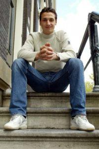 El 1996 se integró al equipo juvenil del Malmo FF de su natal Suecia, debutó profesionalmente en 1999 y consiguieron juntos el ascenso a Primera División. En 2001 salió rumbo al Ájax de Holanda donde comenzó su recorrido por varios clubes de Europa. Foto:Getty Images