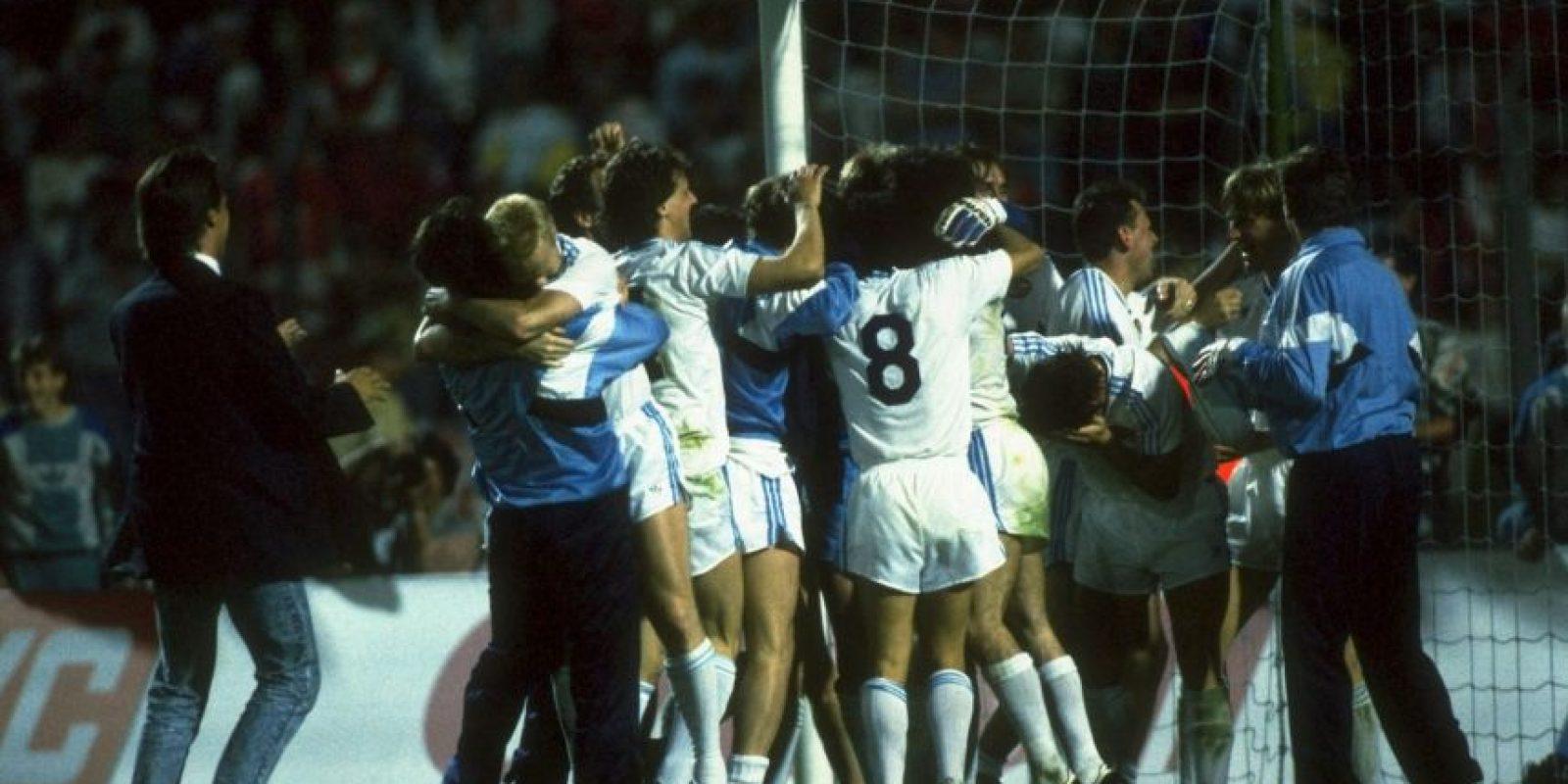 Bajo las órdenes de Guus Hiddink se convirtieron en el tercer equipo en ganar el triplete en 1988. Se coronaron en la Eredivisie, en la Copa de Holanda ante el Roda JC. Foto:Getty Images
