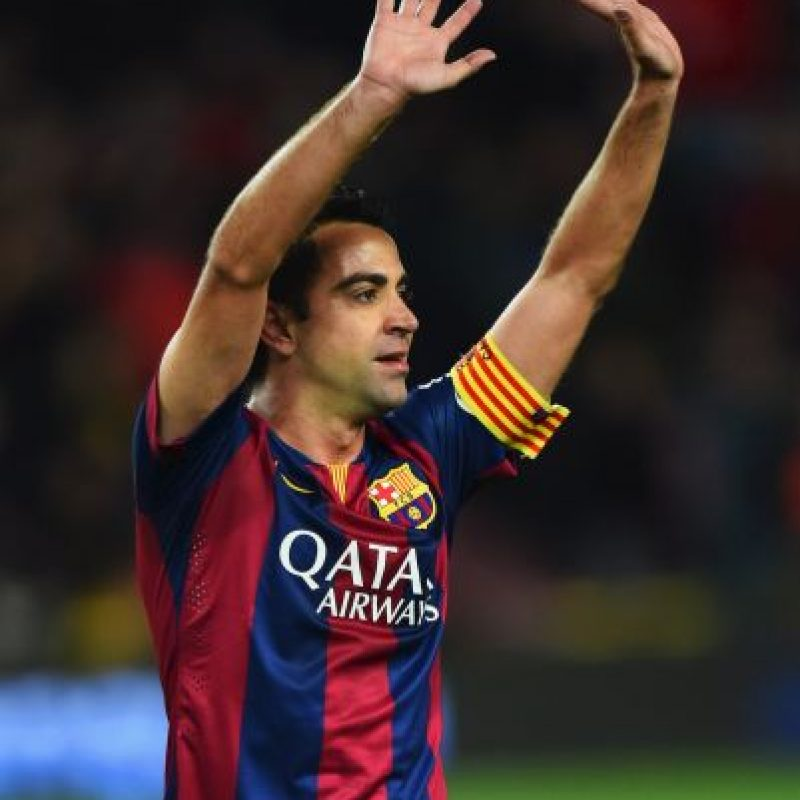 Aunque a Xavi le queda un año de contrato con el Barça, no lo cumplirá y se marchará al equipo donde jugó su compatriota Raúl González hace algunos años. Foto:Getty Images