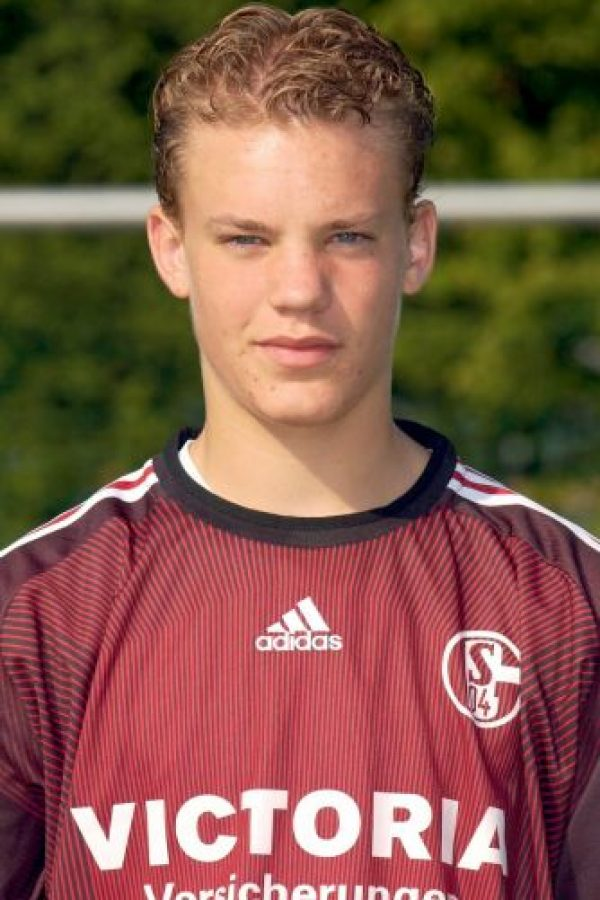 Surgió de la cantera del Schalke 04, equipo con el que debutó en 2006 y que lo hizo brillar para convertirse en uno de los mejores arqueros del mundo, hoy en el Bayern. Foto:Getty Images