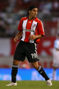 Surgió del Lanceros Boyacá, un equipo colombiano que jugaba en Segunda División. De ahí dio el salto a River Plate en 2001, club con el que debutó profesionalmente. Foto:Getty Images
