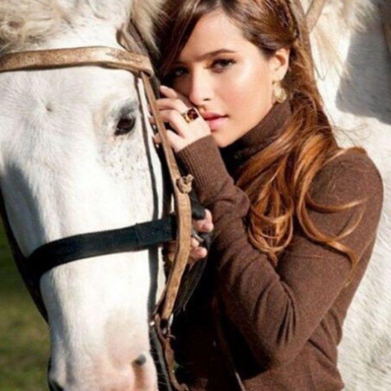 La actriz, cantante y modelo argentina Foto:Vía instagram.com/basnicar