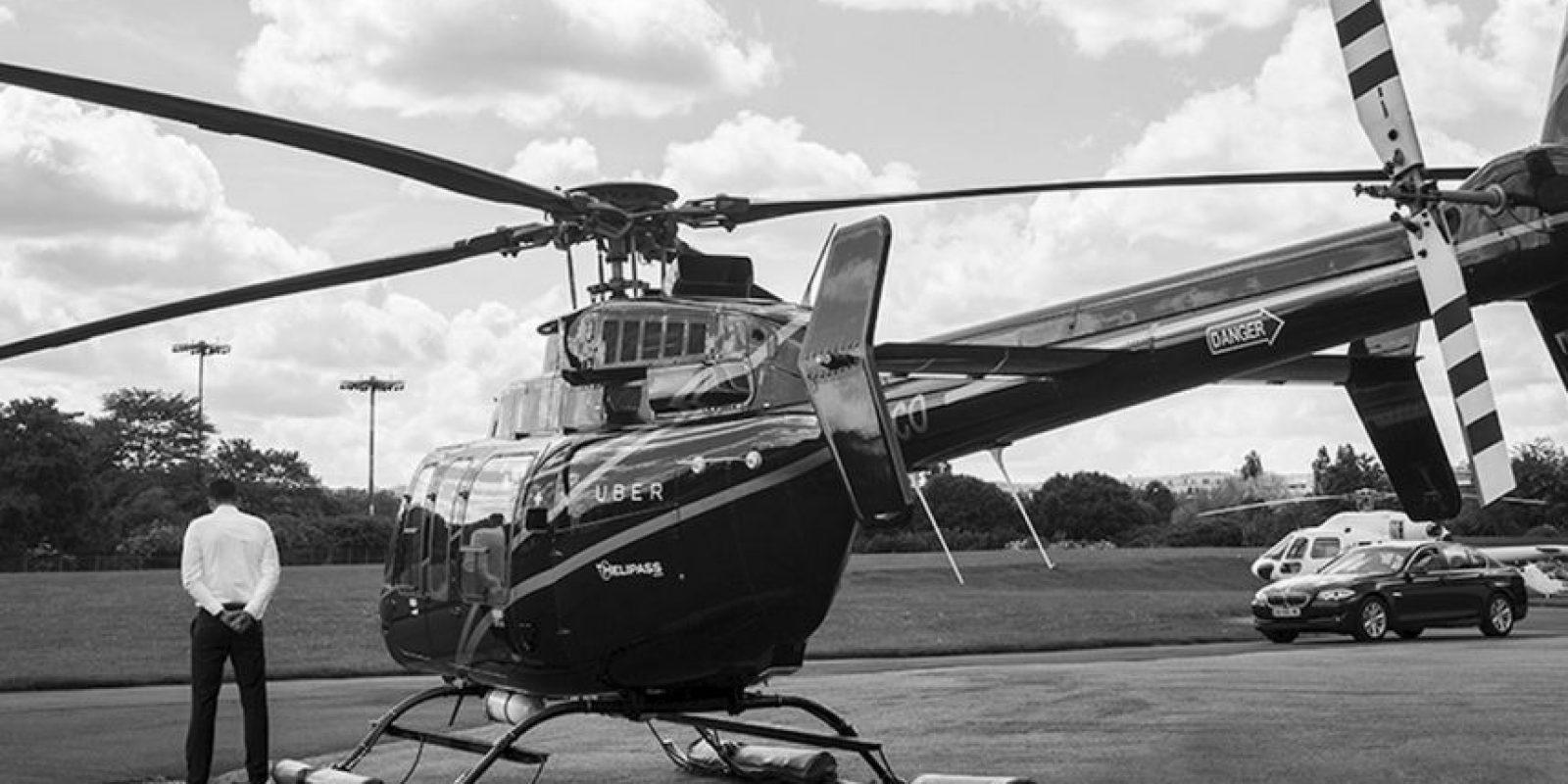 Funciona similar a los taxis, solamente que se utilizan helicópteros. El costo es de 160 euros por persona y hasta un máximo de cuatro pasajeros. Foto:twitter.com/UberFR