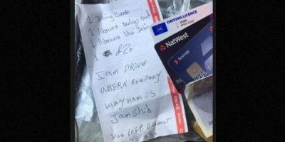 Una mujer que viajaba con el servicio de taxis Uber vio cómo el taxista le envió hasta su casa sus tarjetas de crédito y otros papeles importantes. Foto:Vía Twitter