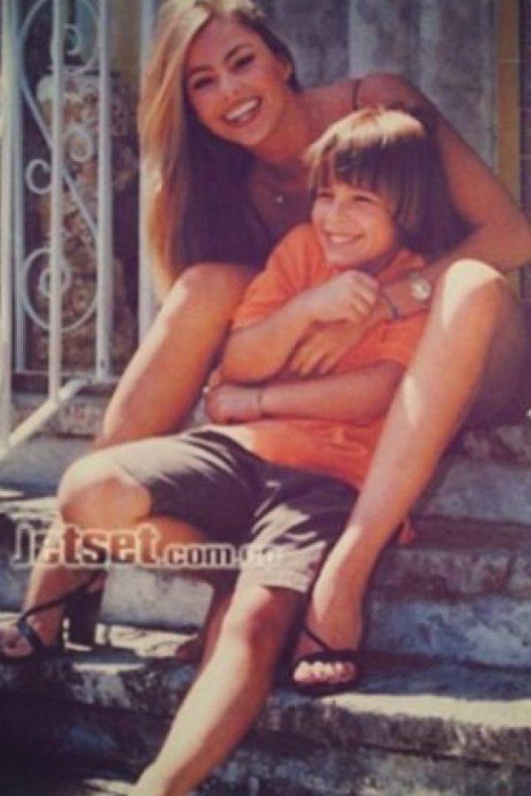 Manolo es famoso desde muy pequeño, pues siempre acompaña a su madre en sus proyectos. Foto:vía instagram.com/manologonzalezvergara