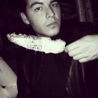 Manolo es un joven divertido, apasionado por la producción de cine y la moda. Foto:vía instagram.com/manologonzalezvergara