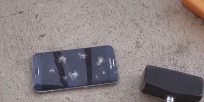 La fuerza aplicada rompe la pantalla. Foto:adrianisen