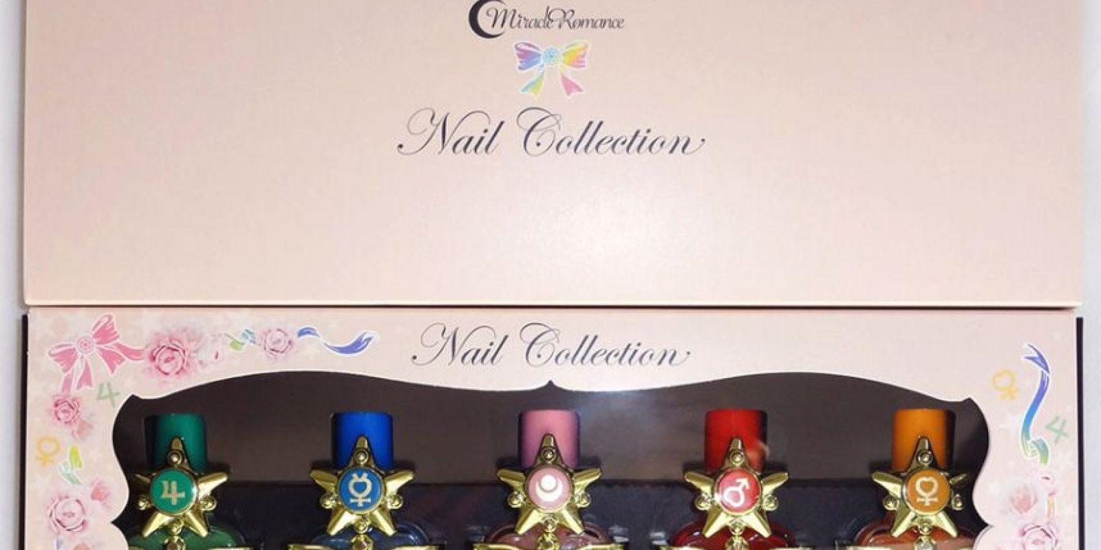 Elegantes esmaltes de uñas. Foto:vía Sailor Moon Collectibles
