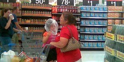 Esto es lo que nunca debrían hacer con sus hijos Foto:PeopleofWalmart
