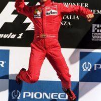 En 1996 llegó a Ferrari, donde firmó un contrato por el que recibiría 31.06 millones de dólares anuales. Foto:Getty Images