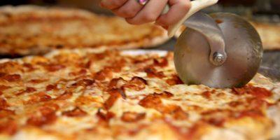 El sospechoso fue identificado por un pedazo de pizza que las autoridades encontraron en la basura. Foto:Getty Images