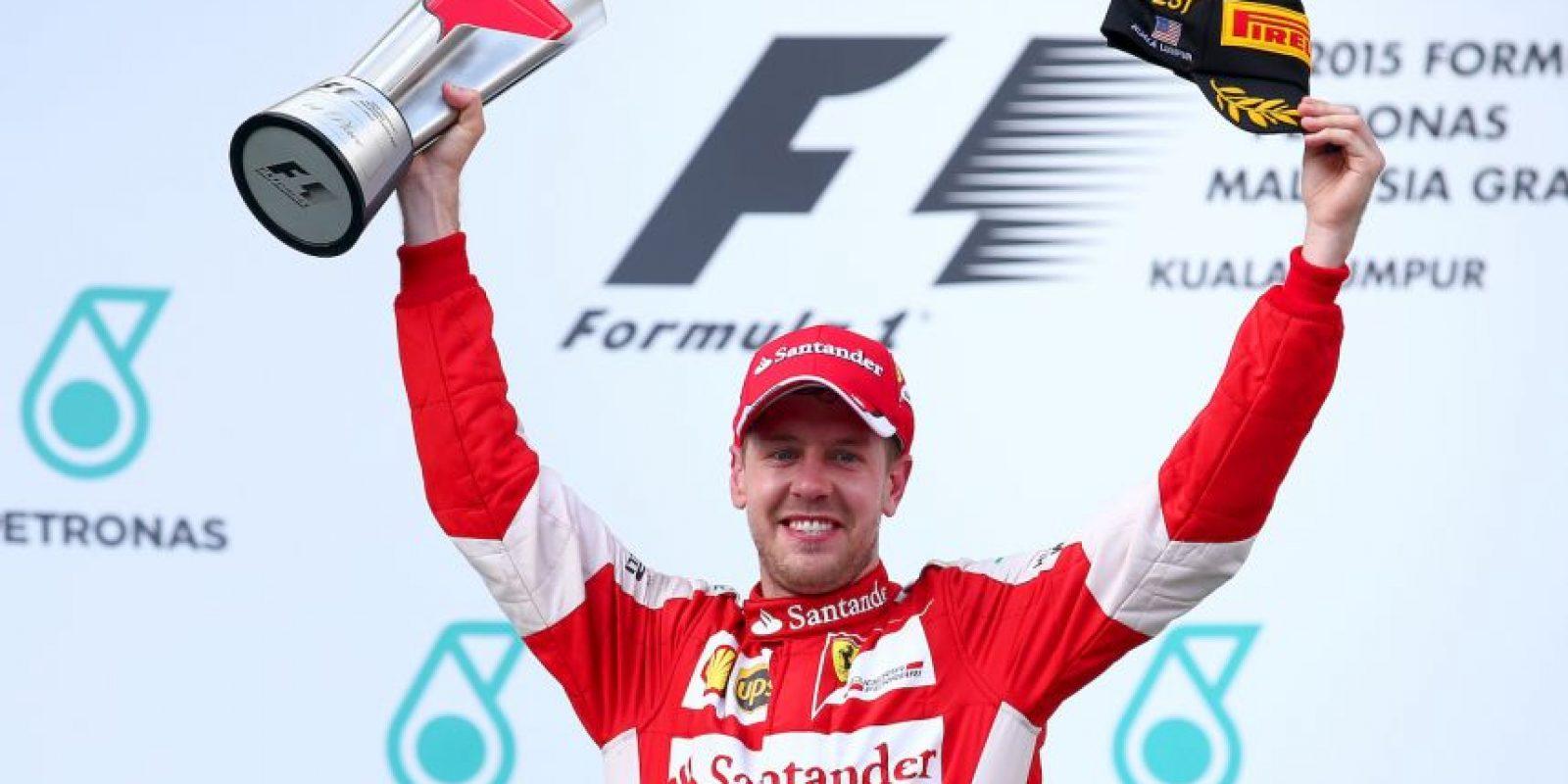El piloto alemán firmó este 2015 con Ferrari y recibe 79.94 millones de dólares al año. Conoce a los otros deportistas con los mejores contratos por año. Foto:Getty Images