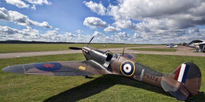 Piloto veterana de la Segunda Guerra Mundial volvió a volar a sus 92 años. Foto:Getty Images