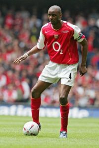 Patrick Vieira, uno de los pilares del Arsenal de los años 2000 se quedó dos veces en cuartos de final de la Champions League, en 2000-2001 y 2003-2004, con el equipo londinense. Tampoco pudo ganar la Champions con la Juventus o Inter de Milán. Foto:Getty Images
