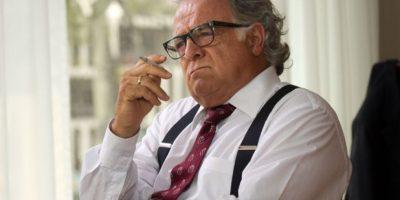 """Gustavo Quintero era """"Guillermo Cano"""", personaje basado en el director del periódico El Espectador, uno de los más importantes de Colombia. Fue asesinado por denunciar las actividades delictivas de Pablo Escobar. Foto:vía Caracol Televisión"""