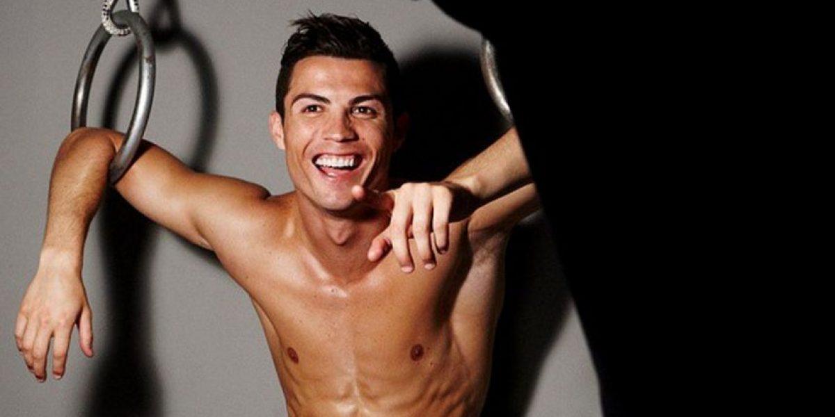 Cristiano Ronaldo pide ayuda para elegir su ropa interior