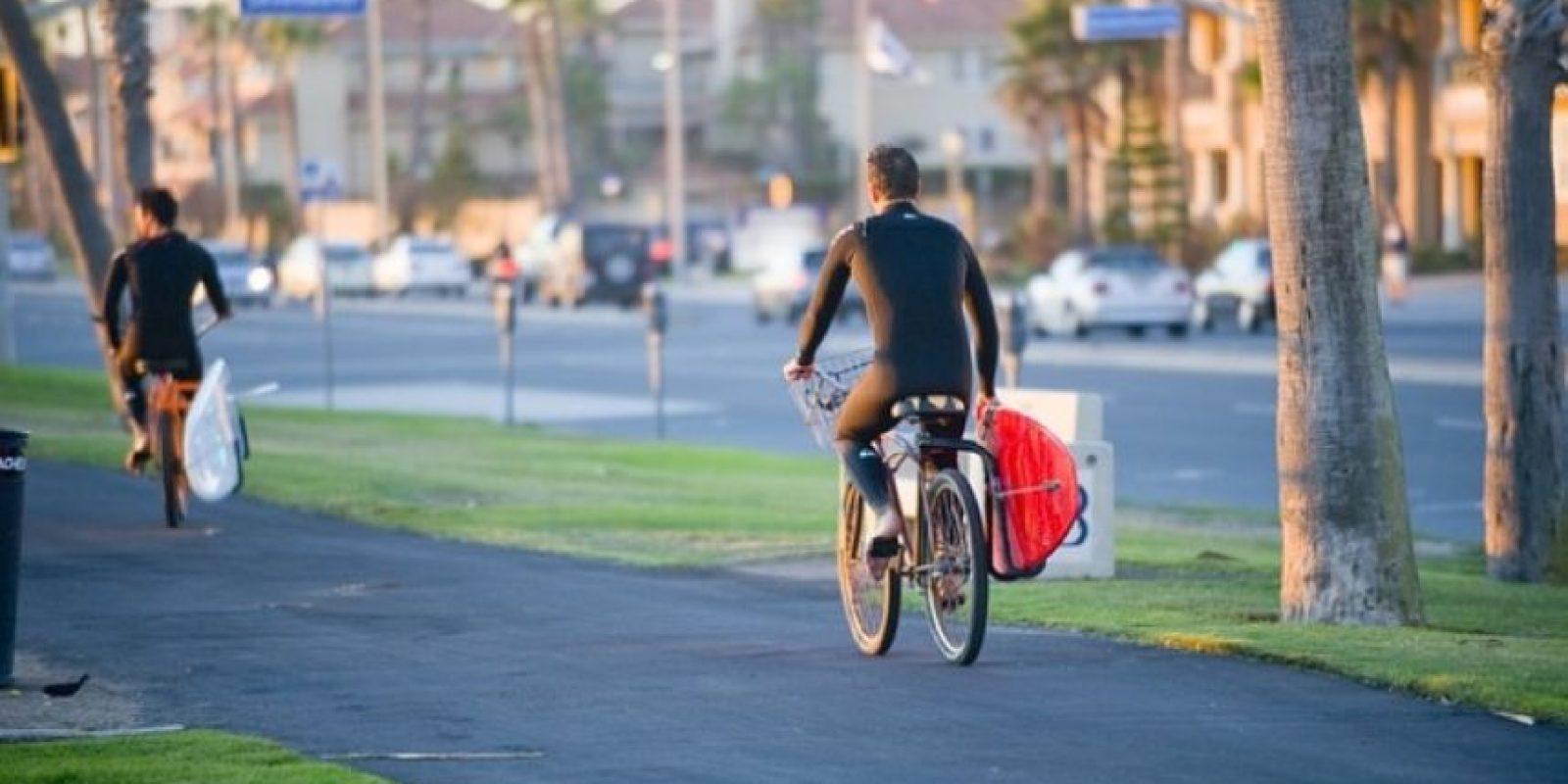 6. Siempre deben elegir los lugares menos transitados por peatones para circular. Foto:Wikimedia