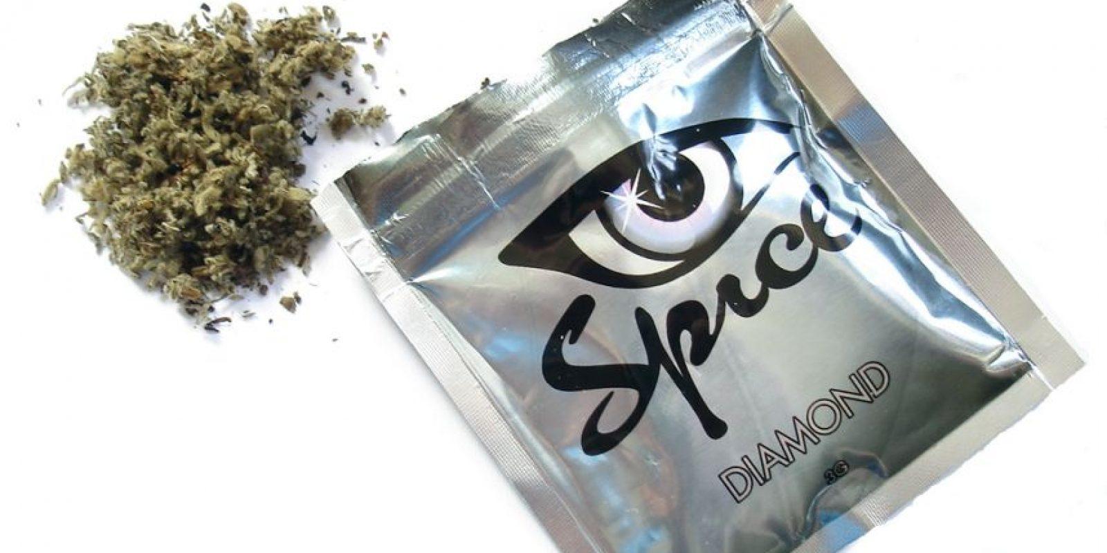 Spice: es una mezcla de hierbas que producen efectos similares a los de la marihuana y se vende como una alternativa legal de la misma. Tiene diversos nombres: K2, marihuana sintética, fuego de Yucatán y 'Shunk' o 'fake weed', en inglés, entre otros. Foto:vía Publice Intelligence