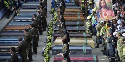Las Fuerzas Militares mantuvieron el orden durante la ceremonia litúrgica Foto:AFP
