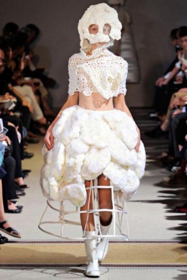 Vestido con el que probablemente toda chica querría salir en invierno. Foto:vía Getty Images