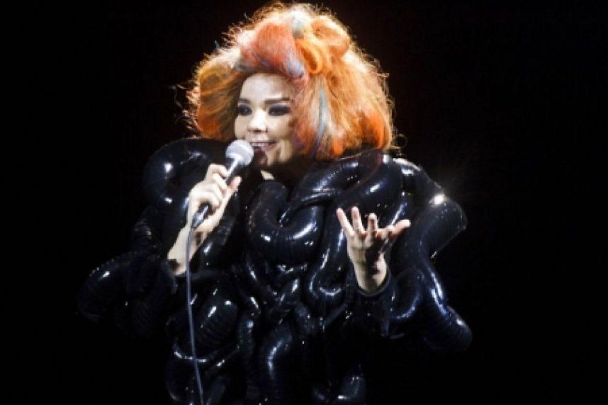 Bueno, Björk lo usó. Foto:vía IrisVanHerpen.com
