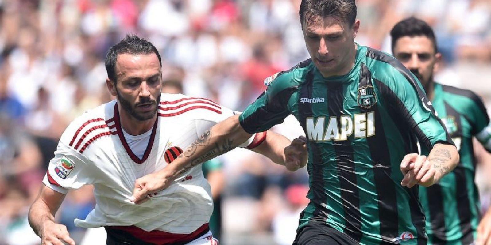 El aficionado se retiró del estadio cuando faltaban 23 minutos para que terminara el encuentro entre Milan y Sassoulo Foto:Getty Images