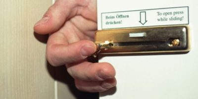6. Bloqueen los cerrojos. Es muy fácil algún día dejar la puerta abierta. Foto:Pinterest