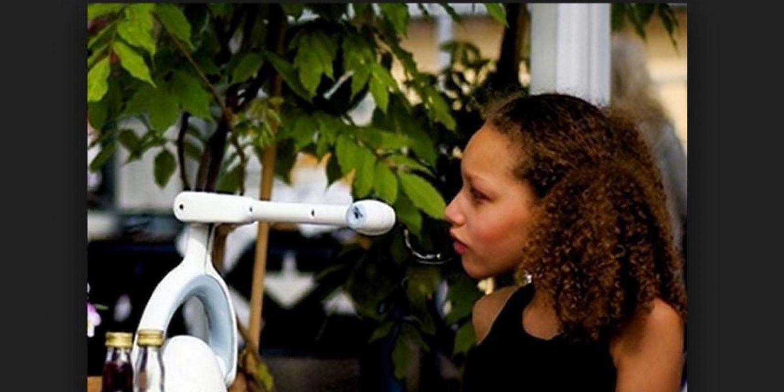 Bestic es es un pequeño brazo robótico con una cuchara en el extremo. Sustituirá a las enfermeras en el futuro. Foto:Bestic AB