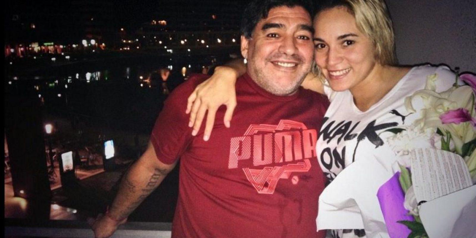 Diego Maradona y Rocío Oliva Foto:Vía twitter.com/rogeraldineoliv