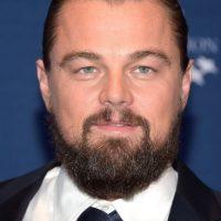 Una fuente aseguró que el actor mantiene una obsesión con la aplicación para citas Tinder. Foto:Getty Images