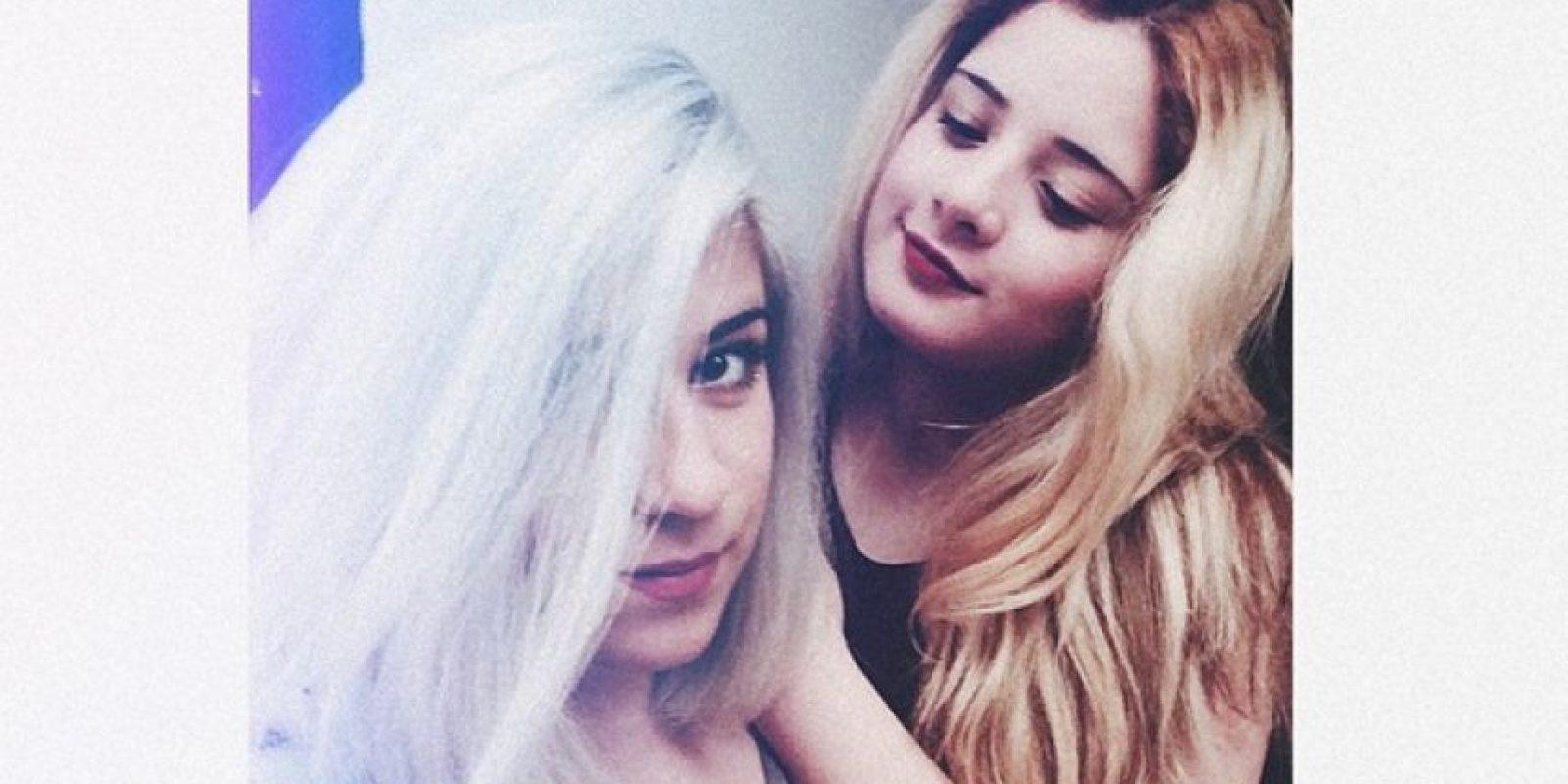 Aquí con su hermana Angie Foto:Instagram Rafaella Chávez