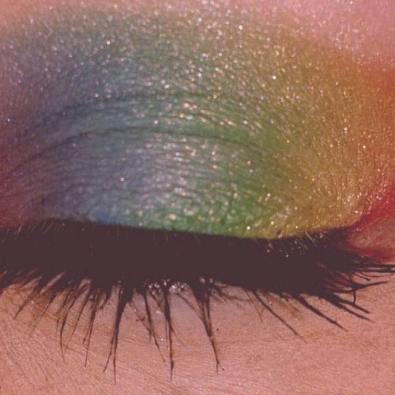 Y ella lleva la bandera gay en los ojos Foto:vía Instagram