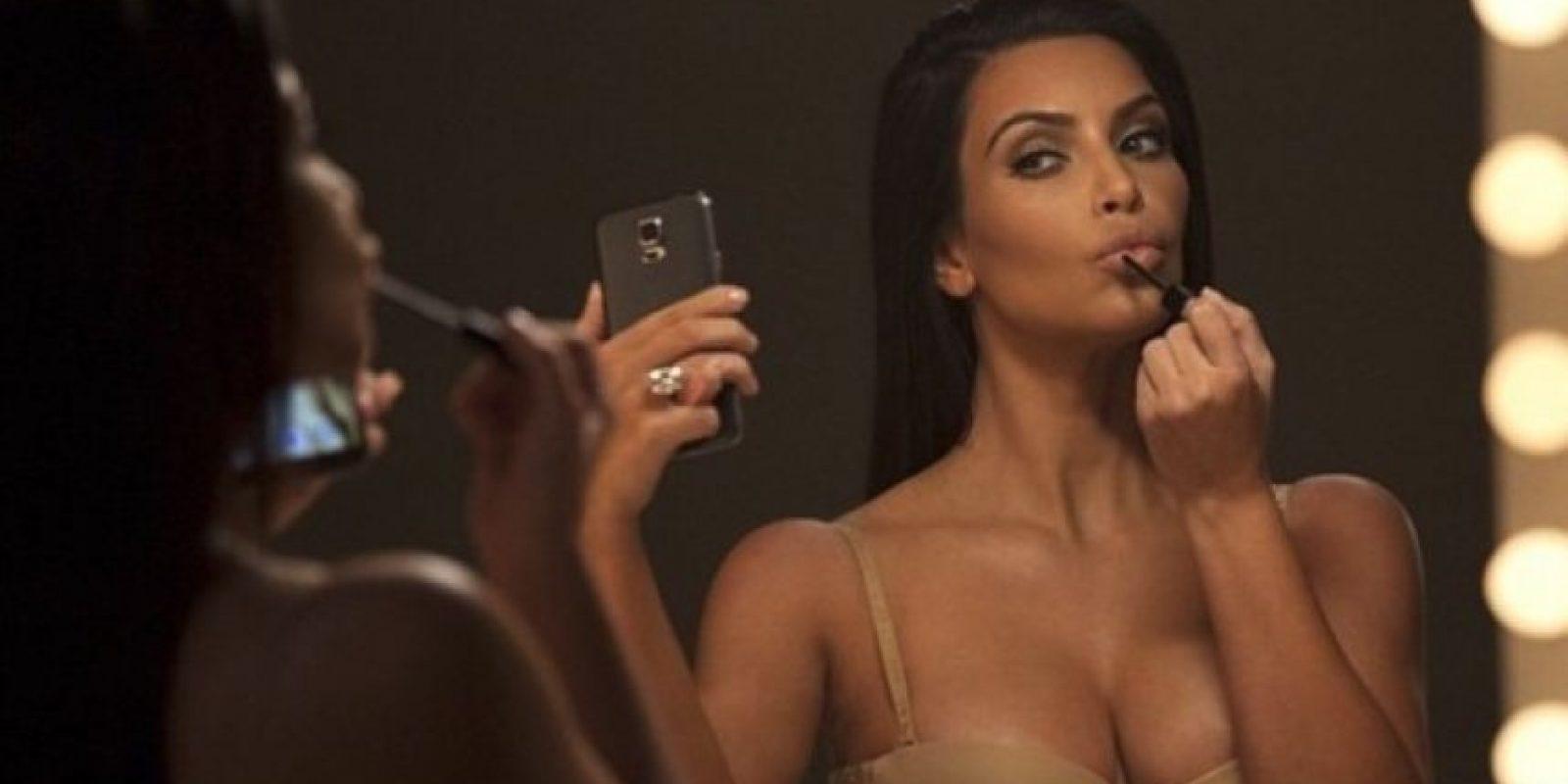Una de cosméticos Foto:vía instagram.com/kimkardashian
